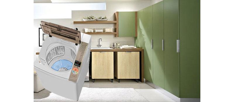 Thiết kế máy giặt Aqua AQW-QW80ZT (H) cửa trên tạo thuận tiện cho việc lấy quần áo