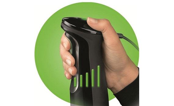 Điều khiển tốc độ máy xay cầm tay Braun MQ745 Aperitive dễ dàng với 1 nút bấm