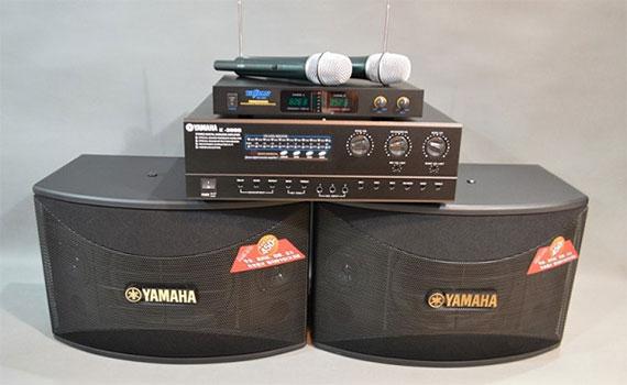 Loa Karaoke Yamaha KMS-710 màu đen công nghệ loa cao cấp