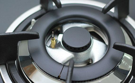 Đầu đốt Bếp gas âm Sunhouse SHB5538 cho ngọn lửa xanh và đều