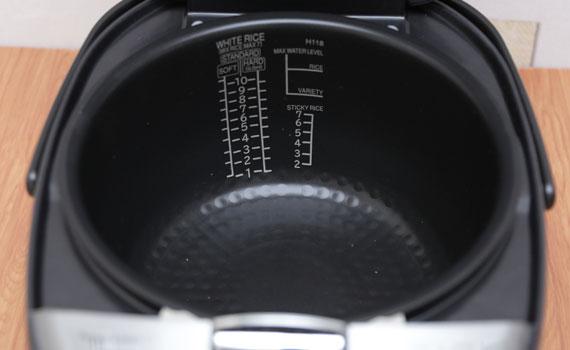 Nồi cơm điện Hitachi RZ-KG18YS giữ ấm lâu giúp bạn luôn có những bữa ăn ngon