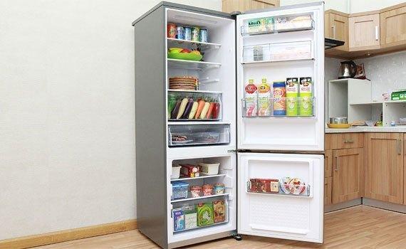 Tủ lạnh Panasonic NR-BV328QSVN với dung tích 290 lít