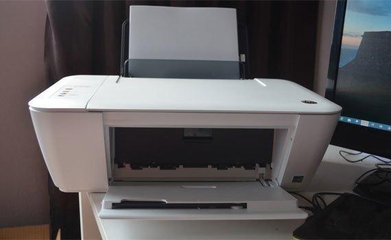 Máy in phun HP Deskjet 1515 sử dụng kết nối USB tốc độ cao