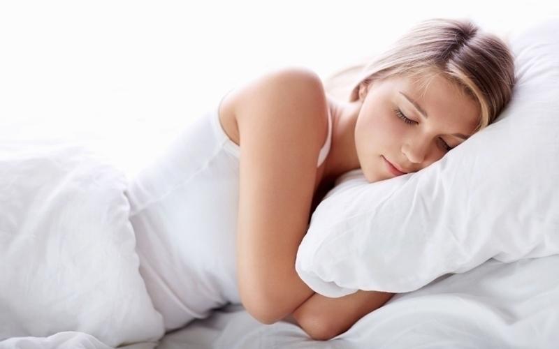 Ngủ sớm và đủ giấc để luôn minh mẫn và làm việc hiệu quả