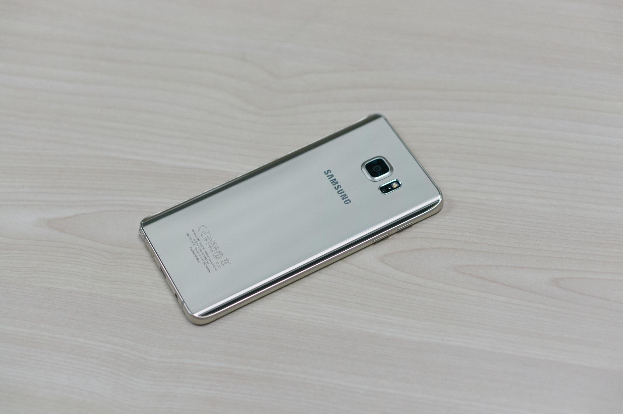 Galaxy Note 5 thiết kế hoàn hảo giá chính hãng hấp dẫn