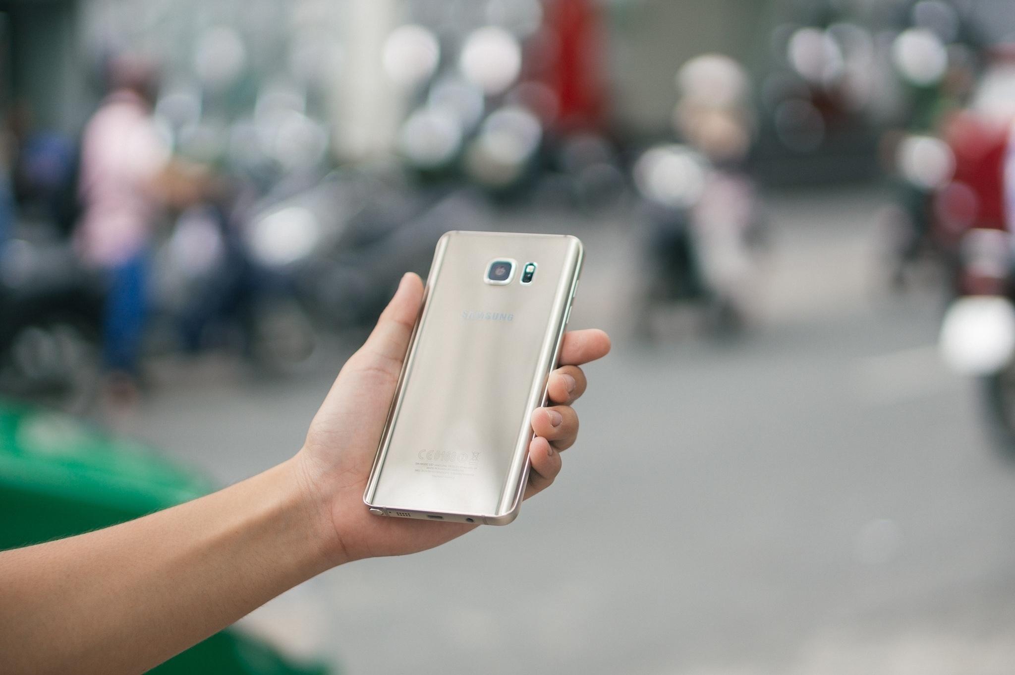 Galaxy Note 5 nguyên khối sang trọng