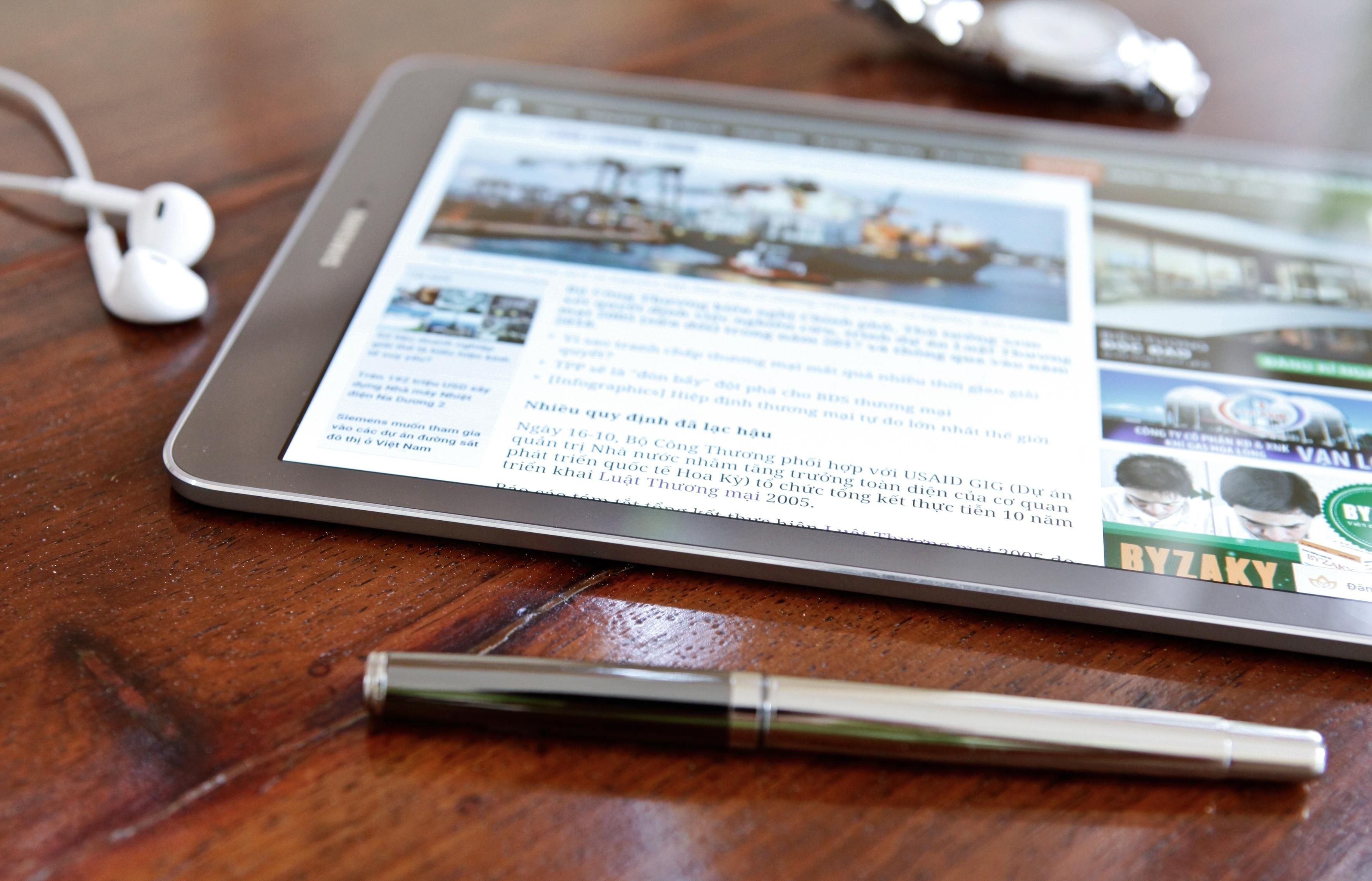 Samsung Galaxy Tab S2 màn hình lớn hơn