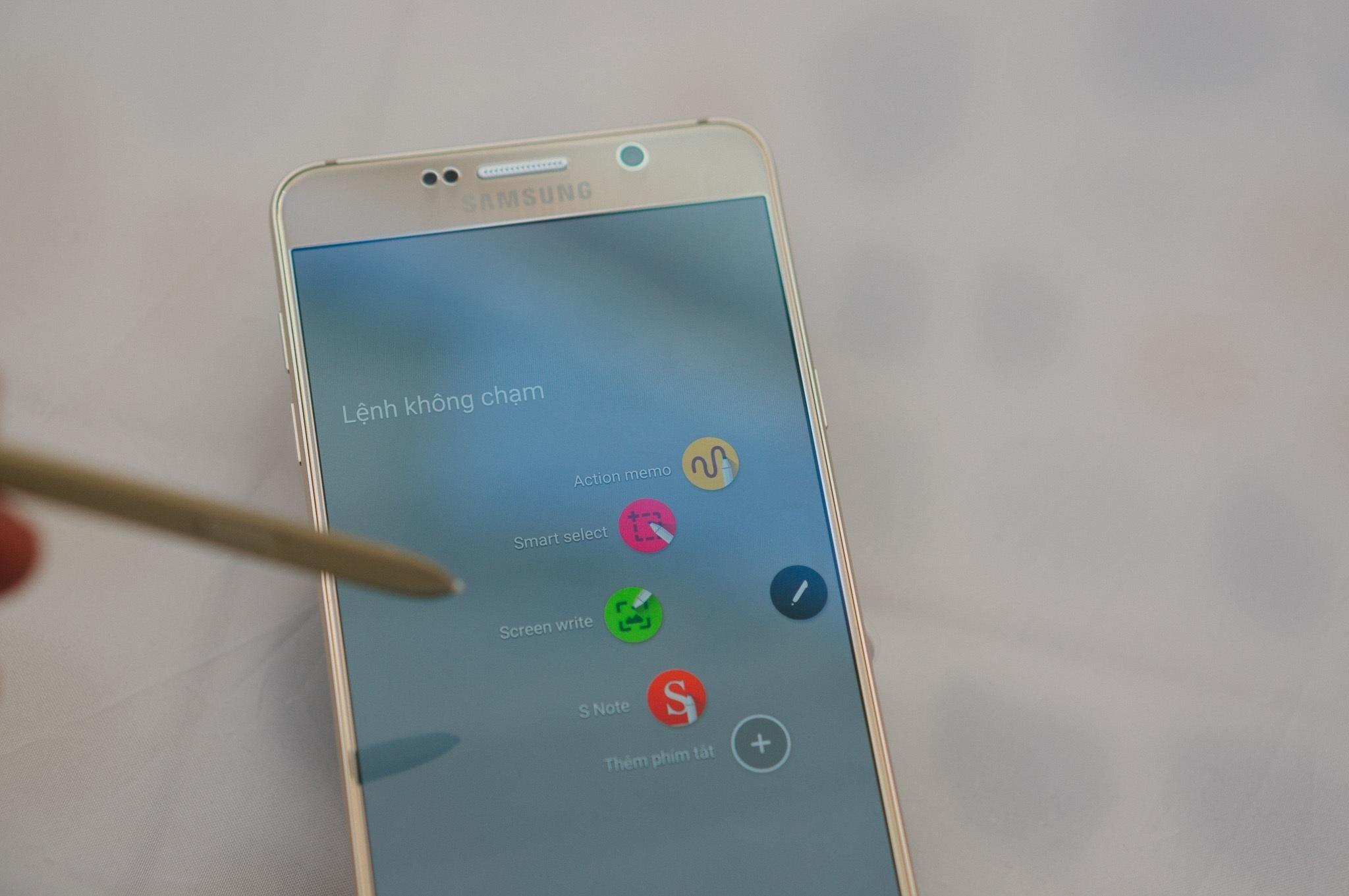 Samsung Galaxy Note 5 lệnh không chạm S pen
