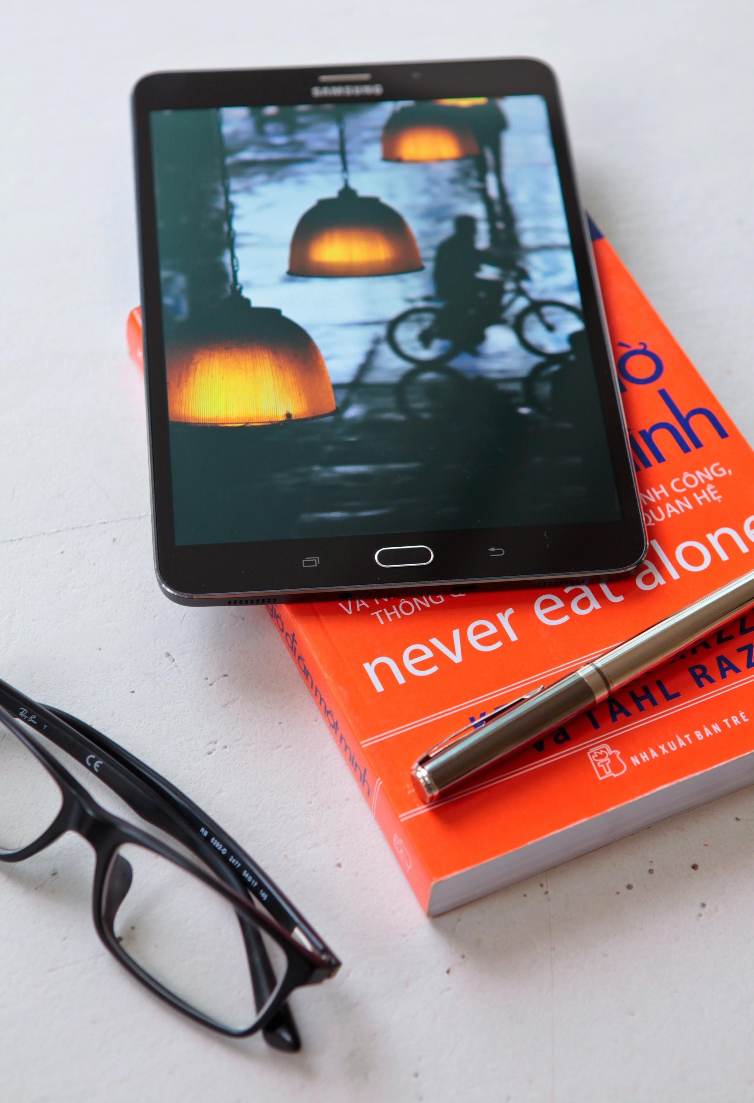 Samsung Galaxy Tab S2 màn hình màu sắc sống động