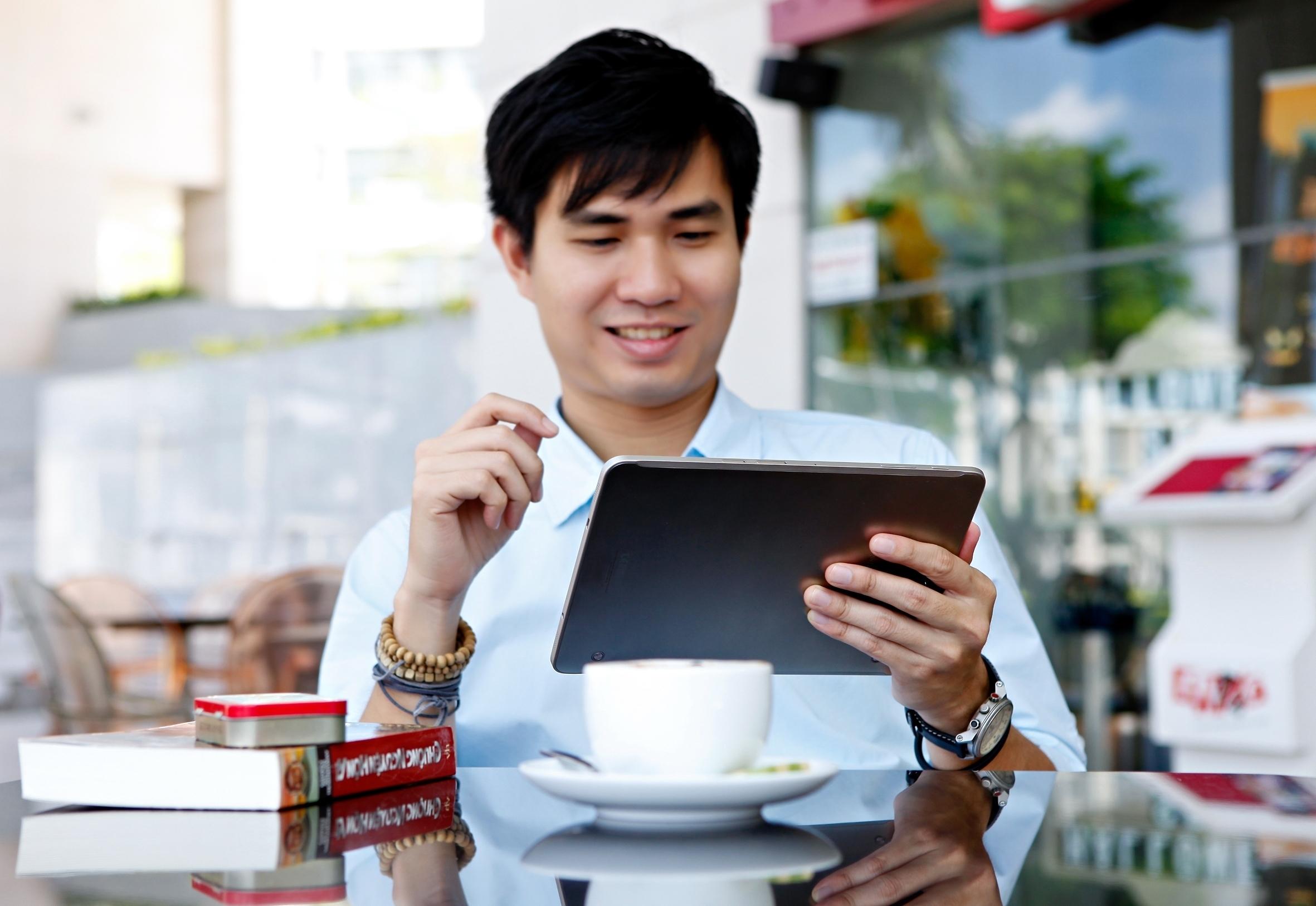Samsung Galaxy Tab S2 giải trí hay đọc tin tức đều phù hợp