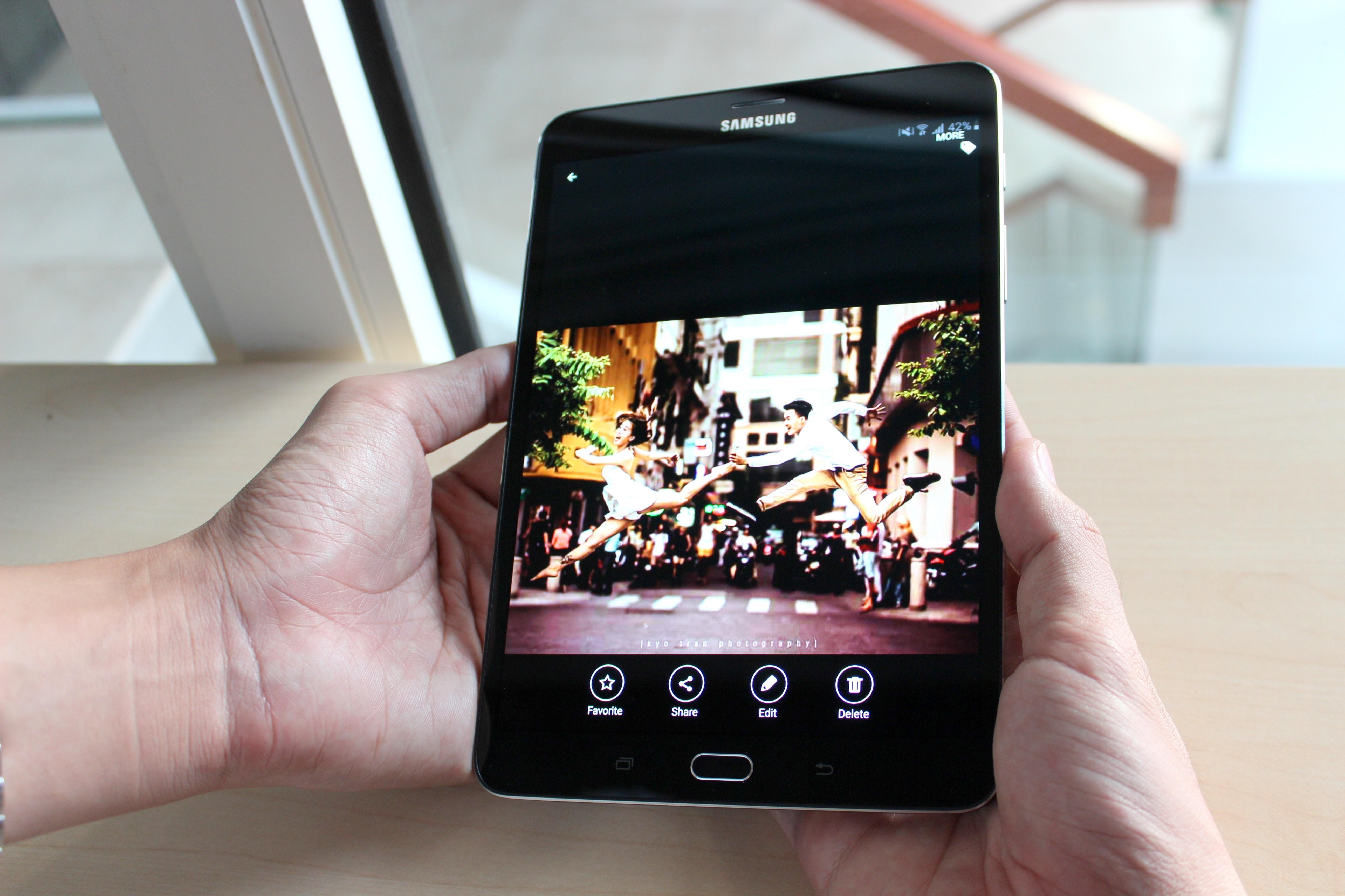 Galaxy Tab E giải trí đáng mơ ước