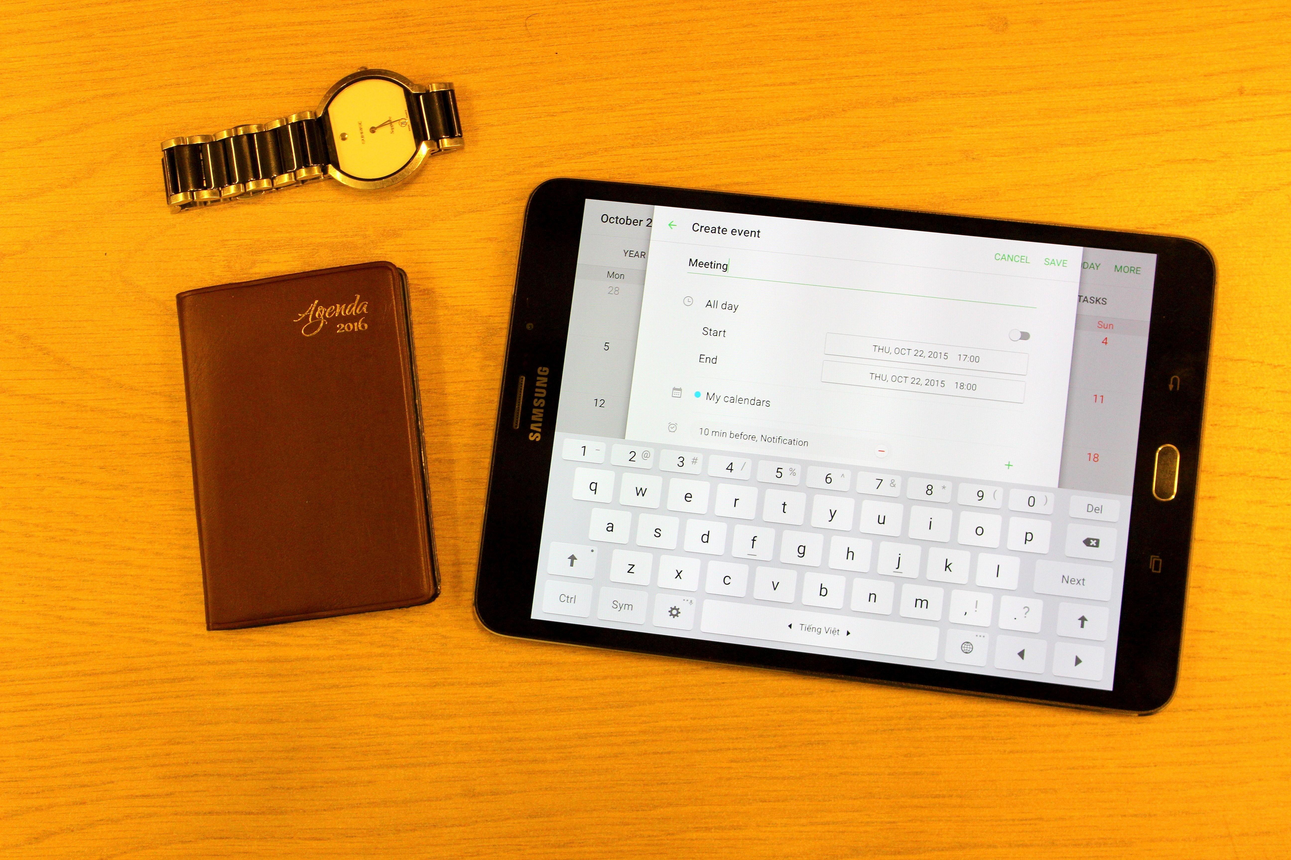 Samsung Galaxy Tab S2 sang trọng cùng phụ kiện