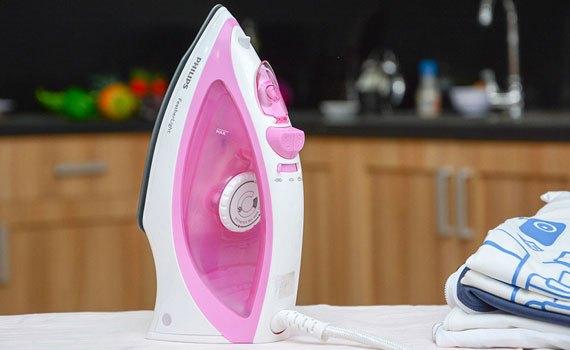 Bàn ủi hơi nước loại nào tốt? Bàn ủi hơi nước Philips GC2046