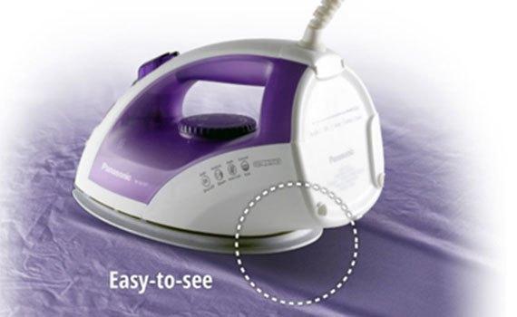Bàn ủi hơi nước Panasonic NI-E510TDRA phun sương và phun tia tiện lợi