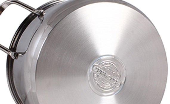 Đáy bộ nồi inox Sunhouse VK-SH888 thiết kế 3 lớp giữ nhiệt tốt