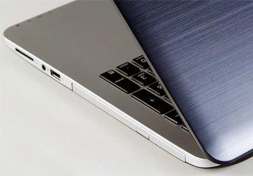 Laptop Asus K555LD trang bị đầy đủ các kết nối thông dụng