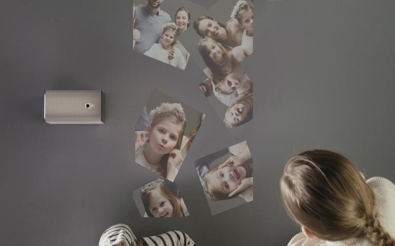 Máy chiếu Xperia Touch với công nghệ độc đáo