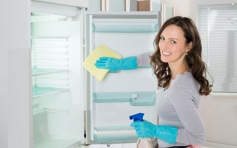 Bạn phải thường xuyên rã đông và lau chùi tủ