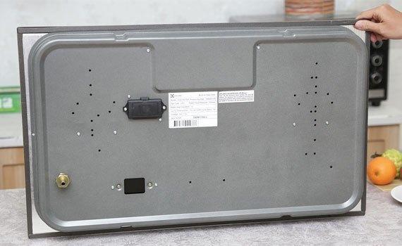 Bếp gas âm Electrolux EGG7627EK trang bị hệ thống đánh lửa IC