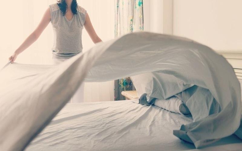 Ga giường sẽ mát hơn khi được phơi ở nơi có nhiều gió
