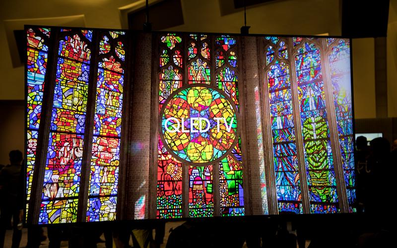 Các khối mờ cung cấp mức độ ánh sáng khác nhau cho màn hình tivi QLED