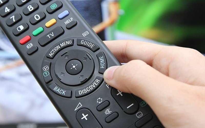 bật nút Home trên remote android tivi Sony