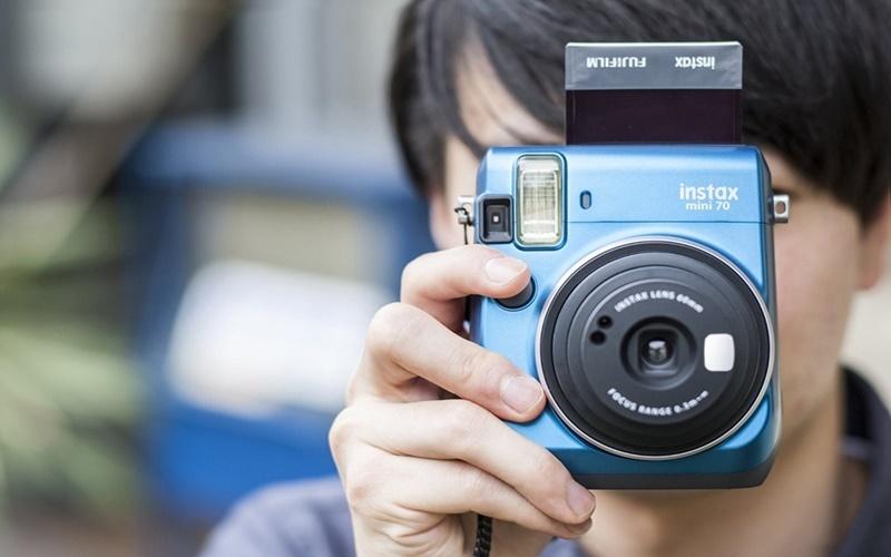 máy chụp ảnh lấy liền dễ dàng sử dụng