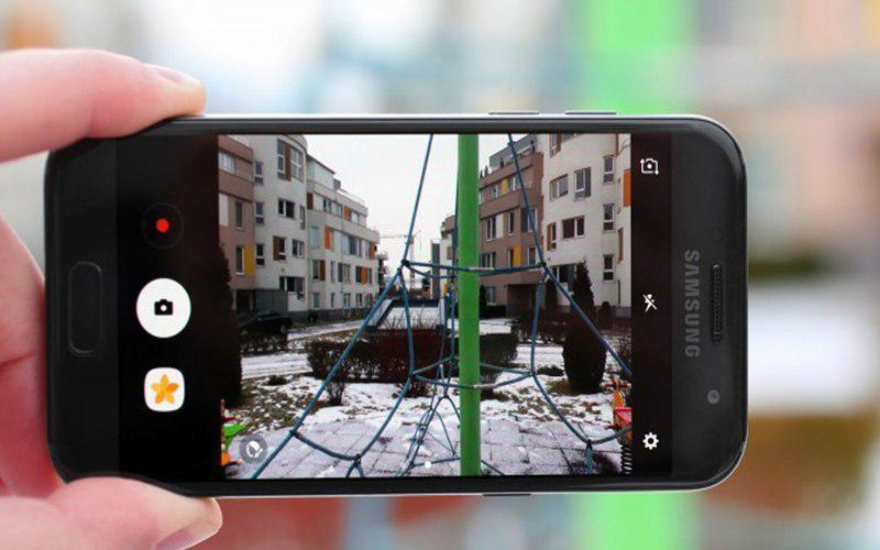 Camera sau 13 MP cho hình ảnh màu sắc chân thực