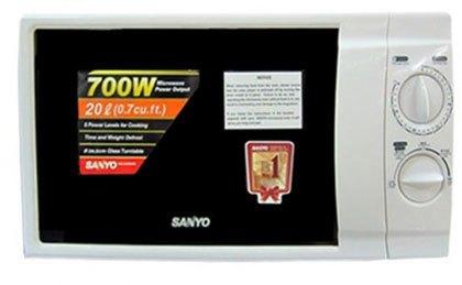 Với tính năng lò vi sóng Sanyo EM-S2052W giúp cho bạn có những bữa ăn tiết kiệm thời gian hơn.