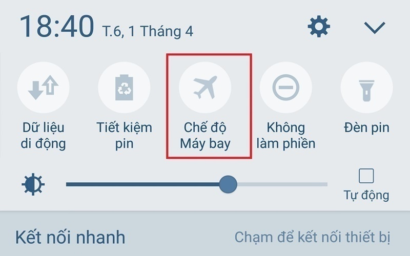 Khi không sử dụng bạn nên đặt chế độ máy bay