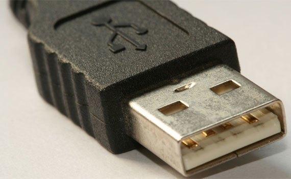 Chuột không dây Rapoo M10 sử dụng kết nối USB không dây