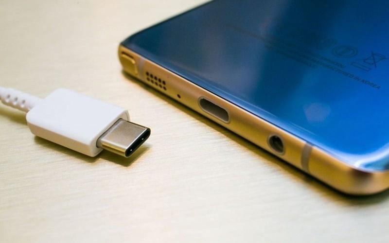 Cổng kết nối USB - C trên Galaxy Note 7