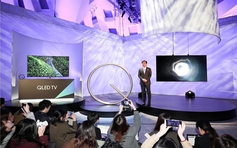 Đây là thiết bị cao cấp được Samsung giới thiệu vào đầu năm