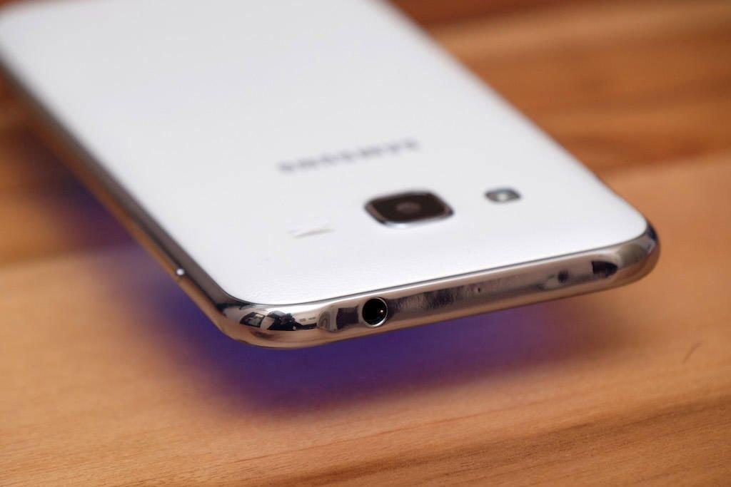Điện thoại Samsung Galaxy J2 cho khả năng chụp ảnh tốt