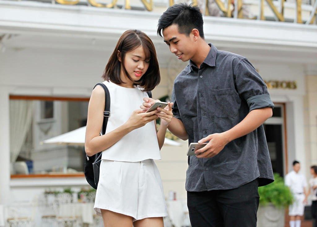 Điện thoại Samsung Galaxy S6 Edge Plus với sắc màu cá tính