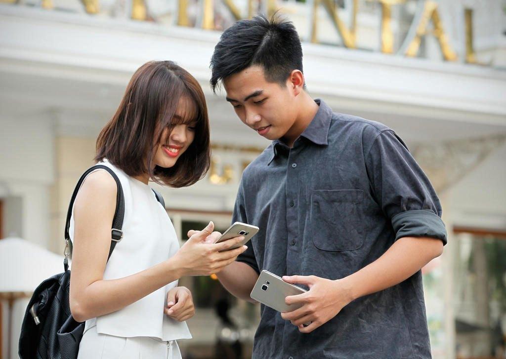 Điện thoại Samsung Galaxy S6 Edge Plus với cảm ứng thật mượt