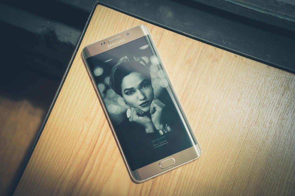Điện thoại Samsung Galaxy S6 Edge Plus trang bị màn hình 5.7 inches 2K