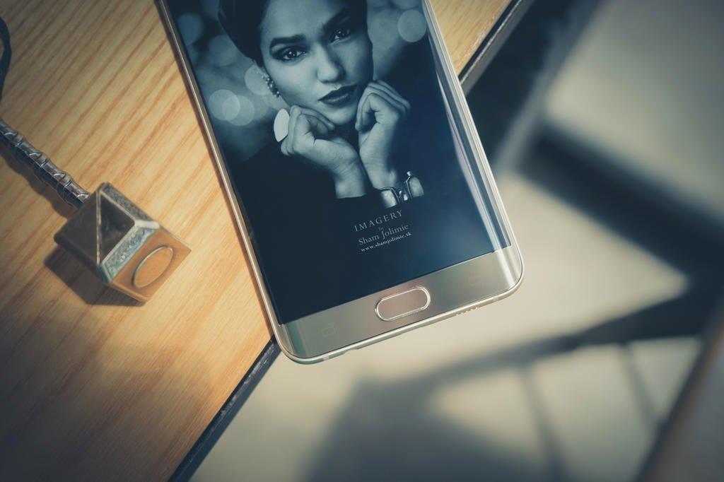 Điện thoại Samsung Galaxy S6 Edge Plus trang bị cảm biến vân tay bảo mật