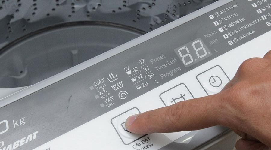 Máy giặt Panasonic 7 kg NA-F70VB7HRV có tốc độ quay vắt 730 vòng/phút
