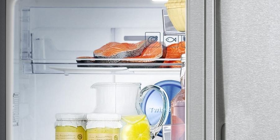 Tủ lạnh Samsung RT32K5532S8 321 lít sử dụng đèn LED chiếu sáng