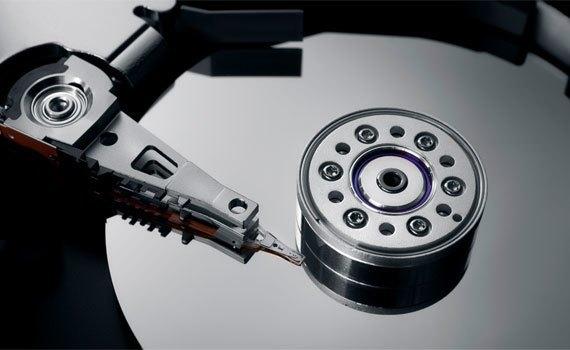 Máy tính xách tay Acer E5-574 trang bị ổ đĩa cứng 500 GB