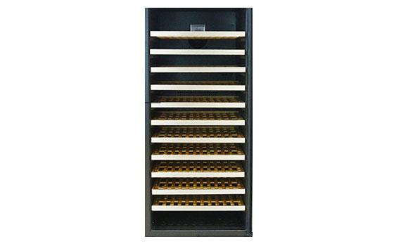 Tủ mát ướp rượu Kadeka KA 110WR sở hữu sức chứa lên đến 110 chai