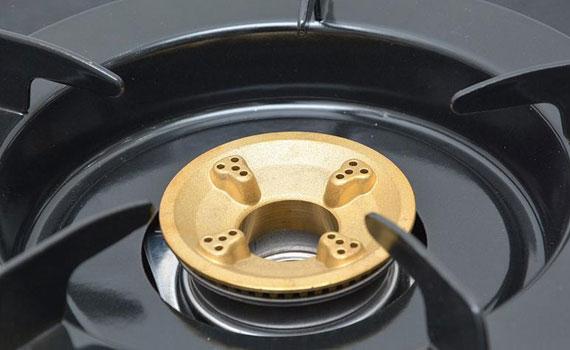 Bếp gas Rinnai RV 970 GL thiết kế đầu đốt bằng đồng thau
