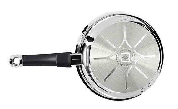 Chảo chống dính Fissler Protect Steelux Premium thiết kế sáng bóng, dễ lau chùi