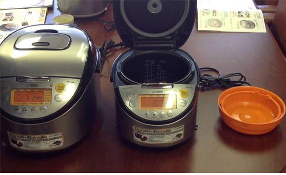 Nồi cơm điện Tiger JKT-S18W giữ nhiệt tốt