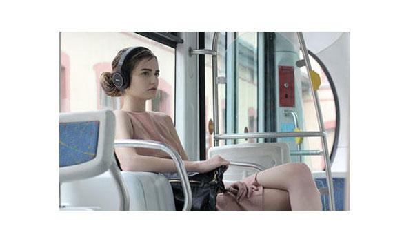 Bạn sẽ có cảm giác thoải mái khi đeo tai nghe Sony MDR-ZX310AP/BCE