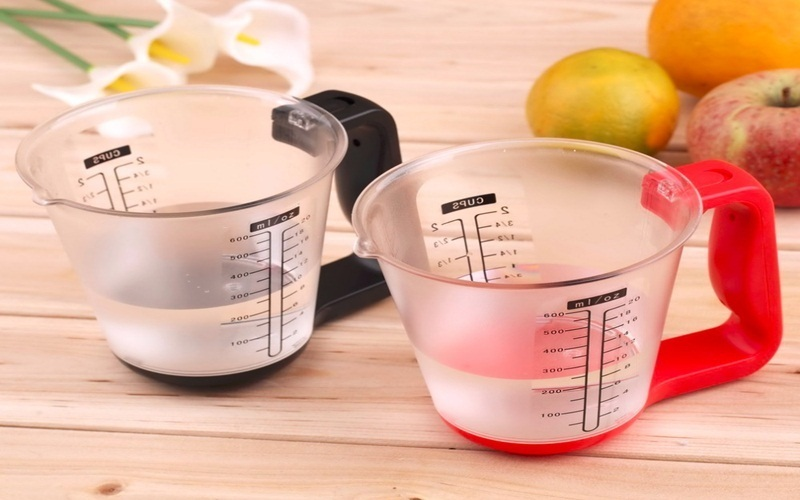 Dùng ly, cốc có chia vạch đo lường sẽ tốt cho việc giảm cân