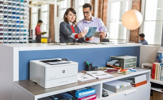 Máy in HP LaserJet Pro M402DN hạn chế tình trạng kẹt giấy