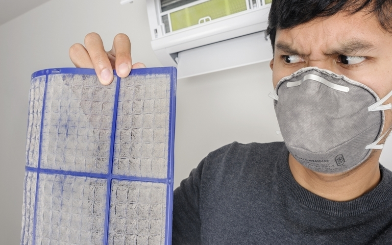Máy lạnh sau một thời gian sử dụng thường có hiện tượng gây ra mùi hôi khó chịu