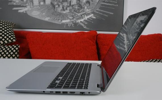 Máy tính xách tay ASUS VivoBook Flip TP501UA có bộ nhớ ổ cứng lên đến 500GB